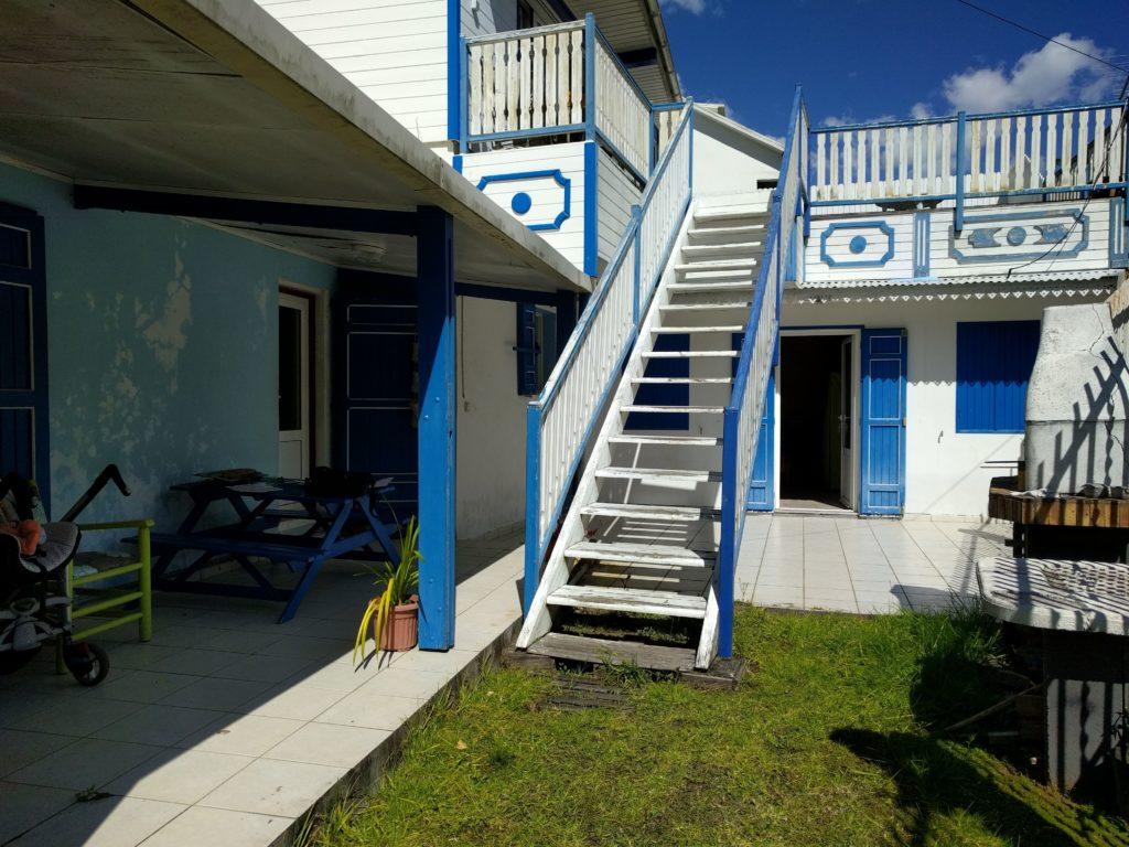 góry-Cilaos-Reunion-Blue-House
